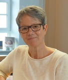 Dr. Maria Teuchert